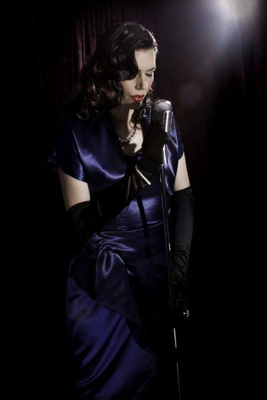 1940s Wartime Singer