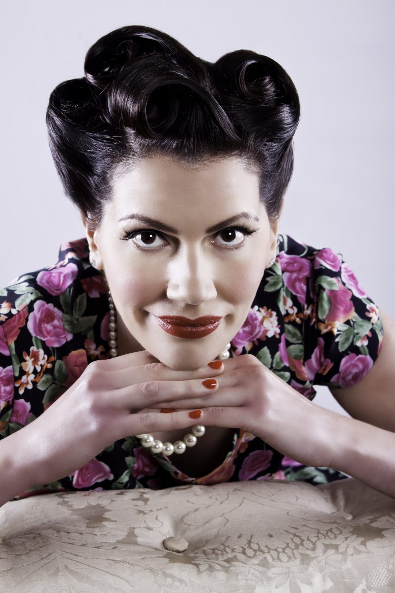 Paula Marie - Authentic 1940s Singer For Any Occasion